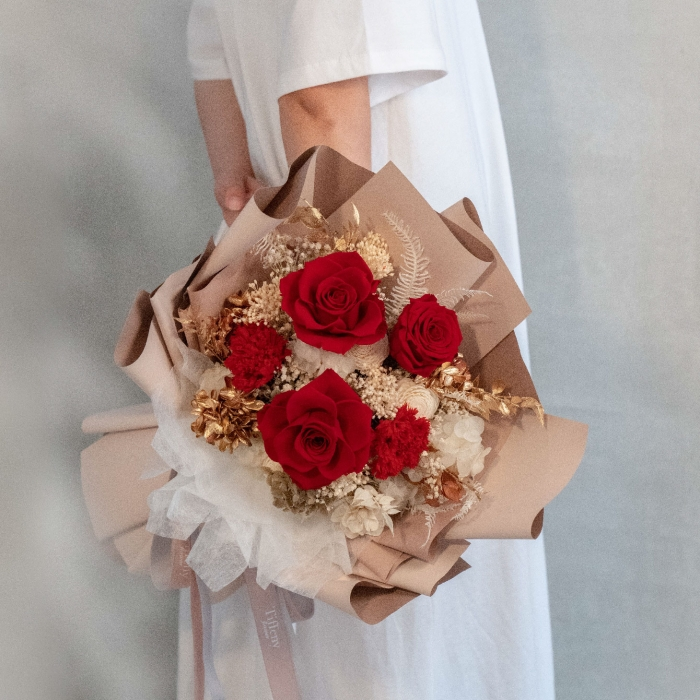 紅絲絨・玫瑰康乃馨永生花束 1